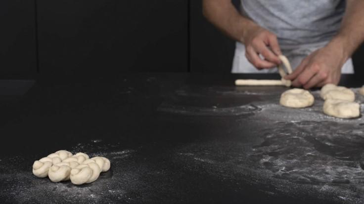 Linzer Salzflössel flechten
