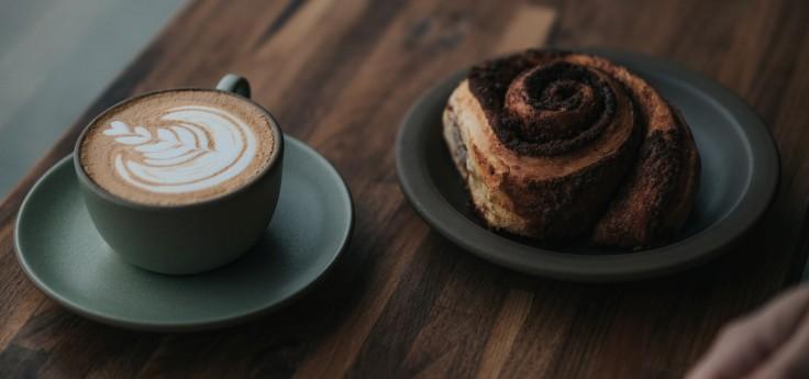 kaffee und kuchen nussschnecke zimtschnecke