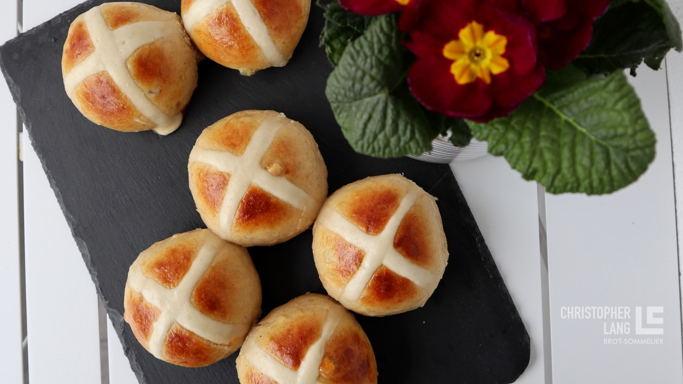 hot cross buns christopher lang